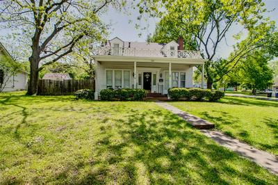 207 NW 6TH ST, Hubbard, TX 76648 - Photo 2