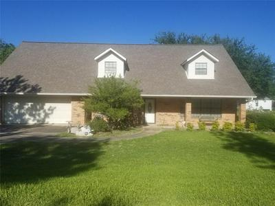 505 S JACKSON ST, Wolfe City, TX 75496 - Photo 1