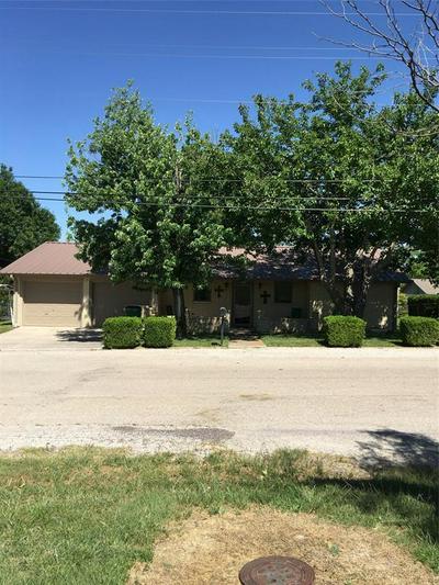 1314 N LANE ST, Comanche, TX 76442 - Photo 1