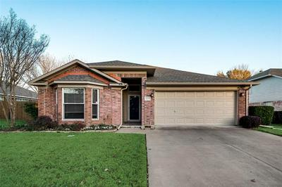 4508 FORSYTH LN, Grand Prairie, TX 75052 - Photo 2