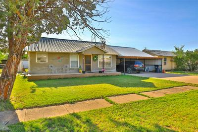 1521 AVENUE N, Anson, TX 79501 - Photo 2
