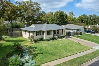 805 JACKSON ST, Rockwall, TX 75087 - Photo 2