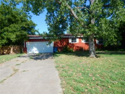 429 ASHLEY LN, Roanoke, TX 76262 - Photo 2