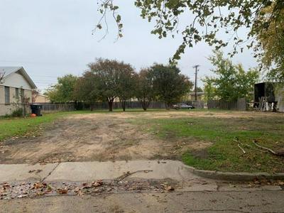 907 LONGFELLOW ST, Waco, TX 76710 - Photo 2