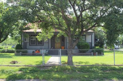 2705 GUADALUPE ST, Coleman, TX 76834 - Photo 2