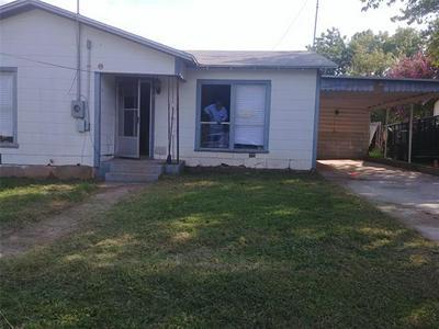 1101 W MESQUITE ST, Coleman, TX 76834 - Photo 1