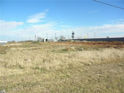 4.29AC NORTH, Tye, TX 79563 - Photo 2