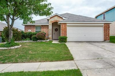 9833 STERLING HILL DR, Fort Worth, TX 76108 - Photo 1
