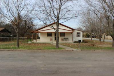 1500 LLANO ST, COLEMAN, TX 76834 - Photo 1