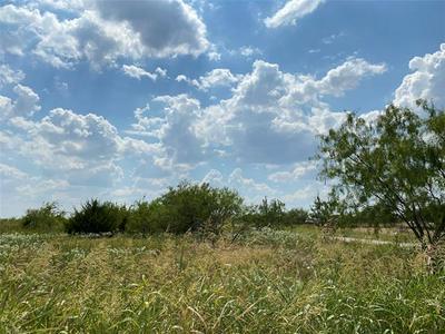 203 MEADOWVIEW LN, Hubbard, TX 76648 - Photo 2