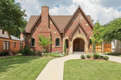 420 CLERMONT AVE, Dallas, TX 75223 - Photo 2