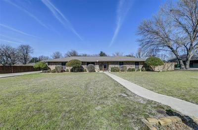 305 BROOKHOLLOW ST, DECATUR, TX 76234 - Photo 1