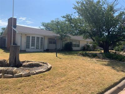329 AVENUE N, Anson, TX 79501 - Photo 1