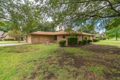 1615 DRAKE DR, Commerce, TX 75428 - Photo 2