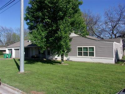 701 HULME ST, BOWIE, TX 76230 - Photo 1