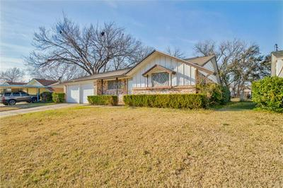 4549 DEE LN, Haltom City, TX 76117 - Photo 2