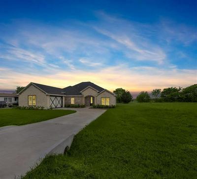 1518 BROOKVIEW DR, Lancaster, TX 75146 - Photo 2
