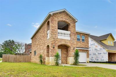 101 MITCHELL ST, Terrell, TX 75160 - Photo 2