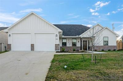 105 BYROM CT, Whitesboro, TX 76273 - Photo 1