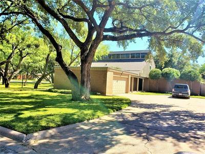 3701 HIGH MEADOWS DR, Abilene, TX 79605 - Photo 2