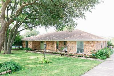 145 PAINT PONY TRL N, Fort Worth, TX 76108 - Photo 2