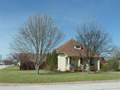 403 N WALNUT ST, MUENSTER, TX 76252 - Photo 2
