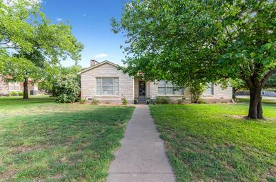 807 E HENRY ST, Hamilton, TX 76531 - Photo 2