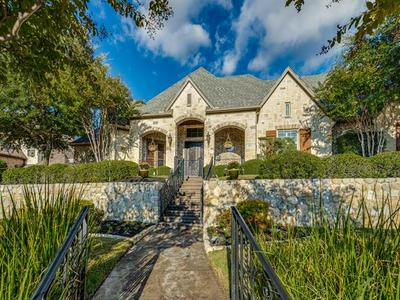 805 SIR ANDRED LN, Lewisville, TX 75056 - Photo 2