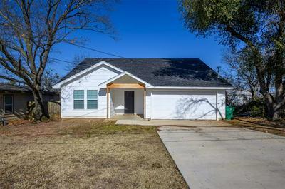 403 3RD ST, Whitesboro, TX 76273 - Photo 1