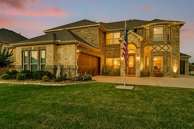 202 CHATEAU AVE, Kennedale, TX 76060 - Photo 2