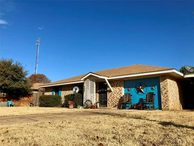 1400 AVENUE K NW, Childress, TX 79201 - Photo 1