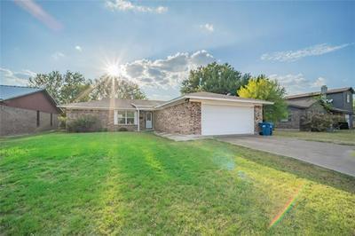 721 MISTLETOE ST, Breckenridge, TX 76424 - Photo 1