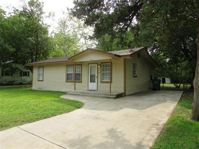 1107 S WINE ST, Gainesville, TX 76240 - Photo 1