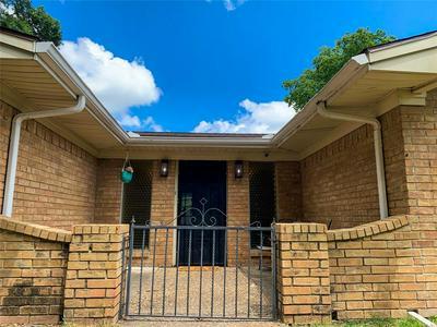 2702 MARSHALL ST, Commerce, TX 75428 - Photo 2