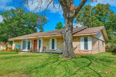 2001 CYPRESS ST, Gainesville, TX 76240 - Photo 1
