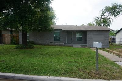 4000 FITZHUGH AVE, Fort Worth, TX 76105 - Photo 2