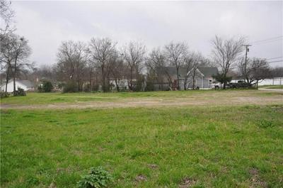 904 N KAUFMAN ST, ENNIS, TX 75119 - Photo 1