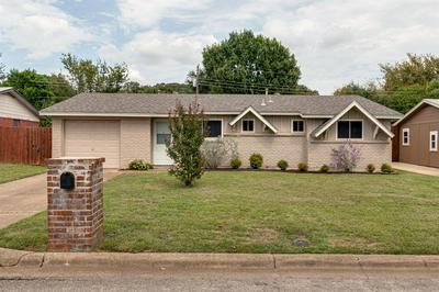 828 DEE LN, Bedford, TX 76022 - Photo 1