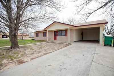 1104 E WHITE ST, HAMILTON, TX 76531 - Photo 1