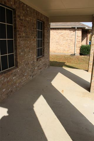 2807 THISTLEWOOD DR, Seagoville, TX 75159 - Photo 2