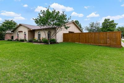 1607 MEADOWGATE DR, Richardson, TX 75081 - Photo 2