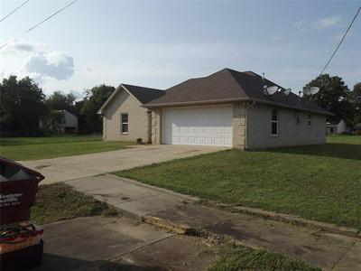 503 PECAN ST, Honey Grove, TX 75446 - Photo 2