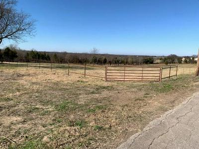 1401 10TH ST, Honey Grove, TX 75446 - Photo 2