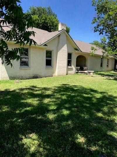 1050 W DALLAS AVE, COOPER, TX 75432 - Photo 1