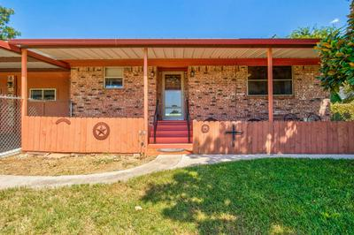 815 MUSTANG TRL, Granbury, TX 76049 - Photo 2