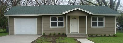 307 S AVENUE J, CLIFTON, TX 76634 - Photo 1