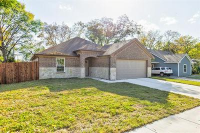 2900 GIPSON ST, Fort Worth, TX 76111 - Photo 2