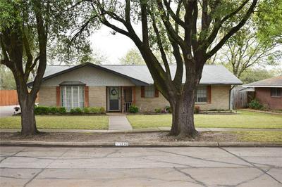 1216 SUNSET DR, ENNIS, TX 75119 - Photo 1