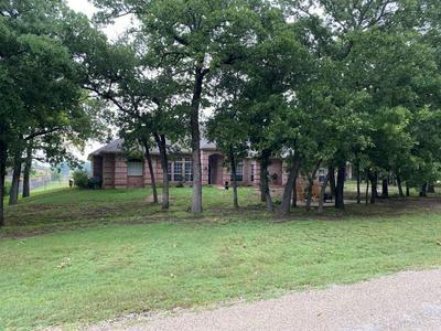 526 OAK HILLS DR, Newark, TX 76071 - Photo 1