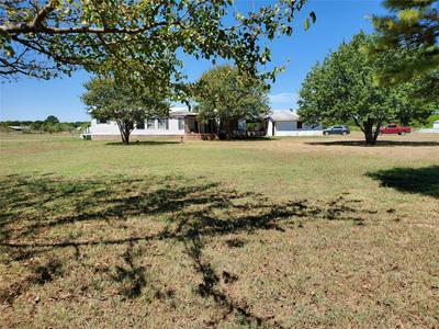 1811 OAK LN, Caddo Mills, TX 75135 - Photo 2